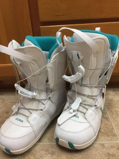 Women s size 10 lightly used snowboard boots