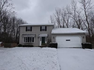 3 Bed 1.5 Bath Foreclosure Property in Olmsted Falls, OH 44138 - Oakridge Dr