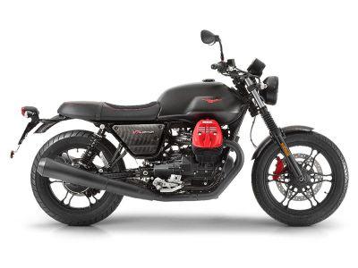 2018 Moto Guzzi V7 III Carbon Dark Standard/Naked Motorcycles Goshen, NY