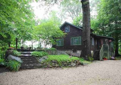 40 Tamarack Road MAHOPAC Four BR, Classic Lake House Overlooking