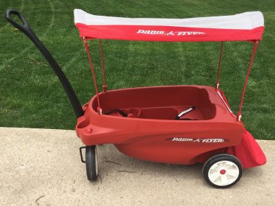 Radio Flyer 3-Seat Wagon