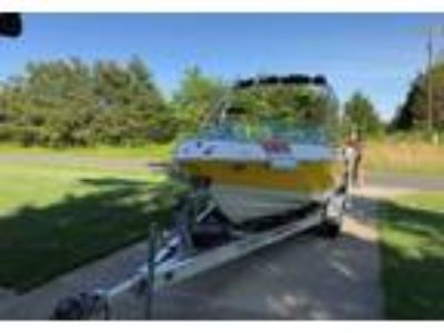 2007 Chaparral 204-SSI Power Boat in Mebane, NC