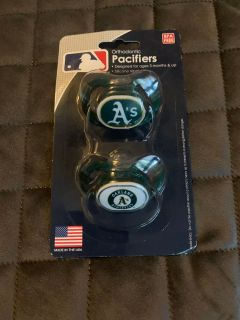 New 2 pack Oakland A s pacifiers
