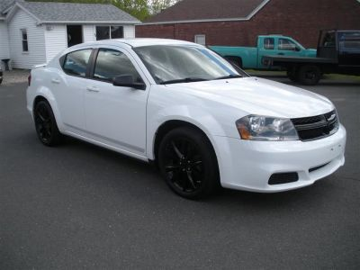 2014 Dodge Avenger SE (White)