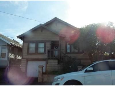 2 Bed 1 Bath Foreclosure Property in Eureka, CA 95501 - A St