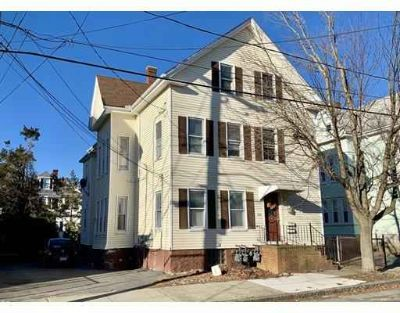 101 Bonney St NEW BEDFORD, Well maintained 3 family home