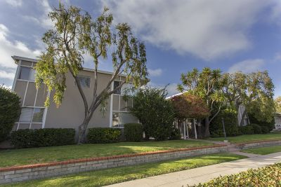 1 Bed/1 Bath Unbelievable unit in the middle of Pacific Beach!!