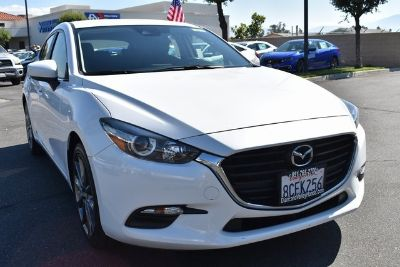 2018 Mazda MAZDA3 5-Door Touring (Snowflake White Pearl)