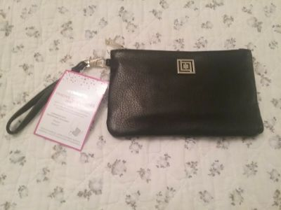 Womens Brand New Liz Claiborne Phone Charging Wallet Black Iphone Android - Black