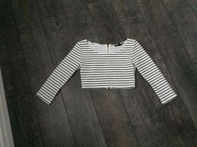 Striped crop top. Size small