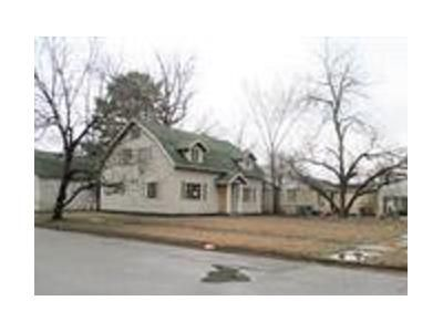 4 Bed 2 Bath Foreclosure Property in Pine Bluff, AR 71603 - W 26th Ave