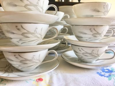 Vintage Sone China Spring Wheat service for 12