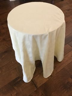 accent table with tablecloth