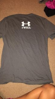 Under Armour men s small
