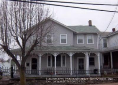 Single-family home Rental - 1358 N Washington St