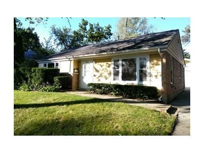 2 Bed 1 Bath Foreclosure Property in Park Forest, IL 60466 - Marquette St