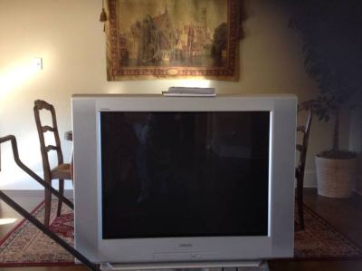 36 Sony Trinitron TV with Remote and Manual