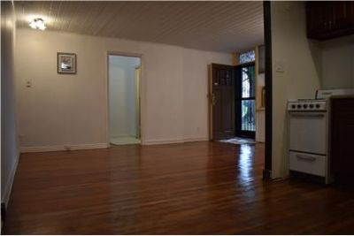 Large Studio in quiet section of Astoria Heights