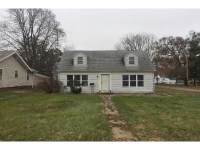 Preforeclosure Property in Mattoon, IL 61938 - S 16th St