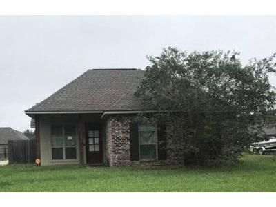 3 Bed 2 Bath Foreclosure Property in Addis, LA 70710 - Jaselyn Ann Ave