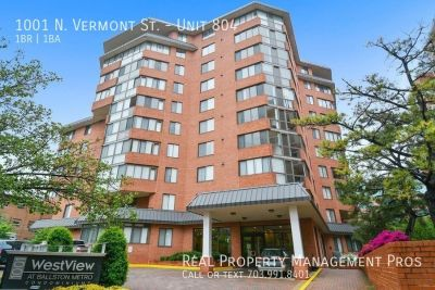 Bright Condo w/ Sun Room- Walk to Metro!