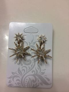 NEW! Beautiful sparkly star earrings