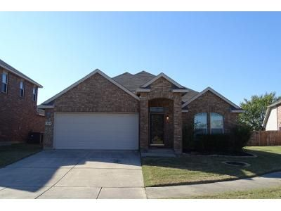 3 Bed 2.0 Bath Preforeclosure Property in Denton, TX 76208 - Windy Point Dr
