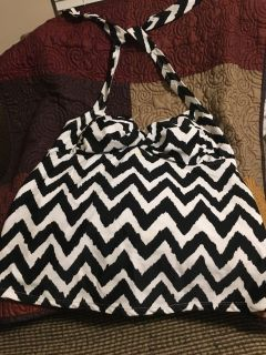Pretty Black & White Bathing Suit Top Sz M by Catalina Black a& White Swap Only