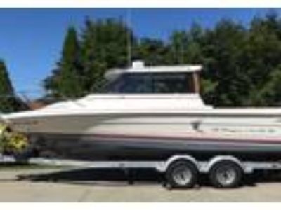 1990 Bayliner Trophy-2459-Cuddy Power Boat in Maple Valley, WA