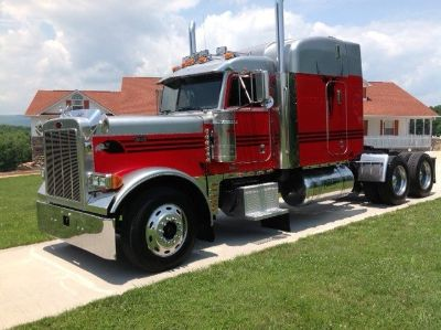 2000 Peterbilt 379 Sleeper