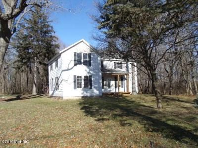 3 Bed 1 Bath Foreclosure Property in Stevensville, MI 49127 - W Linco Rd
