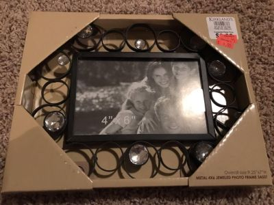 Jeweled metal 4x6 picture frame
