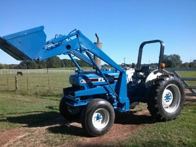 FORD TRACTOR WITH FRONT END LOADER (Garrison, Texas)