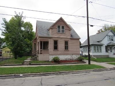 3 Bed 1 Bath Foreclosure Property in Oshkosh, WI 54901 - Wisconsin St