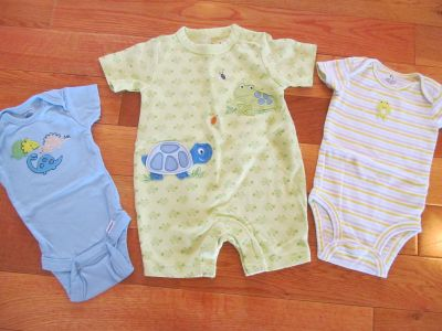Size 0-3 mo lot (blue and striped onesies, turtle-frog outfit) Gerber, Jumping Beans, Carters *Price is for all