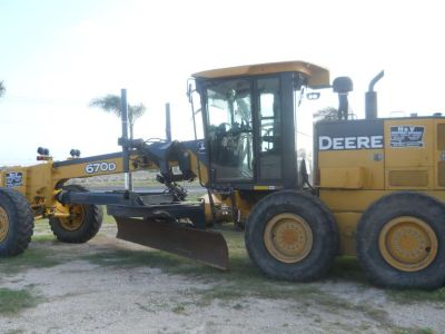 2006 John Deere Construction 670D