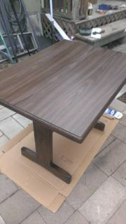 32x42 kitchen table in solid condition (nueces)
