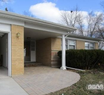 $2950 3 single-family home in North Suburbs
