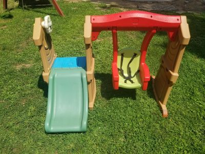 Step 2 toddler swingset. Swing has been freshly repainted! WANT GONE TODAY! FIRST COME