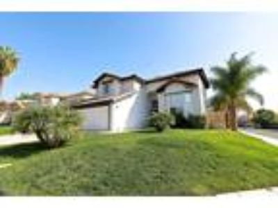 Beautiful POOL HOME For Rent in Murrieta!