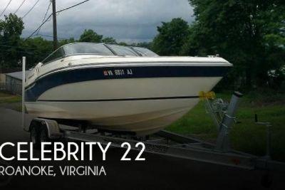 1995 Celebrity 220 BR