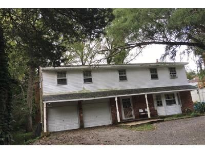 5 Bed 3.5 Bath Preforeclosure Property in Kings Park, NY 11754 - Saint Johnland Rd