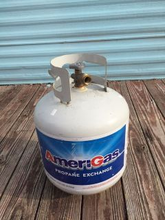 Empty propane tank in great condition - always nice to have a full spare when you run out
