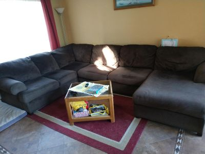 Swctional Couch