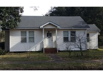 3 Bed 1 Bath Preforeclosure Property in Alexandria, LA 71301 - 20th St