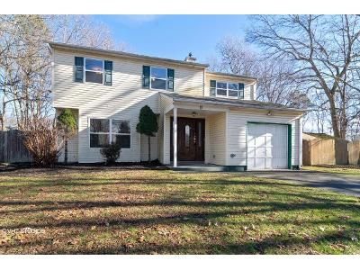 4 Bed 2.5 Bath Foreclosure Property in Coram, NY 11727 - Sharon Dr