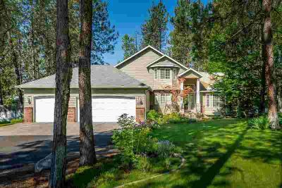 16498 Steep Lane LOOGOOTEE Three BR, Ranch home overlooking