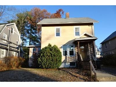 3 Bed 1 Bath Foreclosure Property in Springfield, MA 01109 - Westford Cir