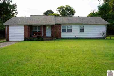 134 Grogan Circle Paducah, Super cute Four BR