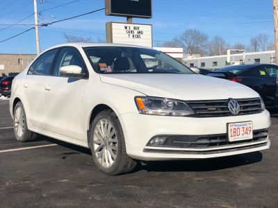 2015 Volkswagen Jetta Sedan 4dr Auto 1.8T SE W/CONNECTIVIT (Pure White)